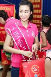 Hoa hậu Đỗ Mỹ Linh không thiếu điểm thi đại học