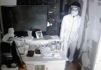 Đột nhập quán cà phê trộm 500 triệu, bị camera ghi lại