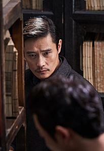 Điện ảnh Hàn tháng 9: Ngộp thở giữa rừng quý ông siêu cấp lịch lãm