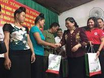 Sơn La: Đồng chí Tòng Thị Phóng, Ủy viên Bộ Chính trị, Phó Chủ tịch Quốc hội thăm và tặng quà tại huyện Sốp Cộp