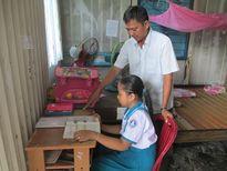Năm học mới 2016 - 2017 tại Cà Mau: Chăm lo cho con người lao động nghèo