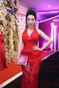 Những trang phục xấu 'đau đớn' của các 'bông hậu' Việt