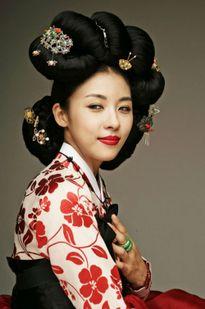 Mỹ nhân Hàn diện hanbok xinh ngất ngây