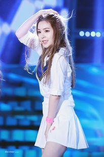 Vẻ đẹp của nữ thần Krystal - Irene khiến cộng đồng người đồng tính nữ cũng phải mê mẩn