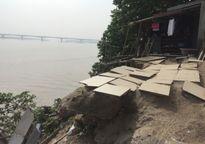 Khẩn trương kiểm tra, tổng hợp sạt lở bờ sông Hồng, phường Bạch Đằng, quận Hai Bà Trưng
