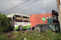 Tai nạn kinh hoàng ở Bến Tre, 17 người thương vong