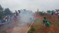 Dân chơi Việt thi 'phá xe' trong mưa
