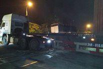 Ngăn đoàn tàu chở 200 hành khách khỏi đối đầu xe container tại Hà Nội