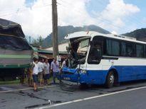 Vụ xe tải 'dìu' xe khách mất phanh: Chủ xe khách không có giấy phép kinh doanh