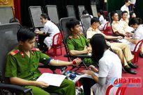 400 ĐVTN TX Kỳ Anh tình nguyện hiến 162 đơn vị máu