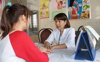 Những chiêu tránh thai 'kinh dị': Nữ sinh gặp họa vì nhét bông băng, nilon vào 'cô bé'