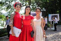 Á hậu Thanh Tú nền nã với áo dài, Đào Thị Hà khoe lưng trần quyến rũ