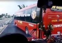 Xử lý 2 xe khách 'vờn nhau', khiến hành khách khóc thét