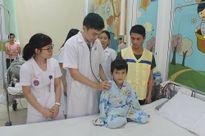 Em bé người Mông mắc bệnh tim và ước mơ trở thành bác sĩ