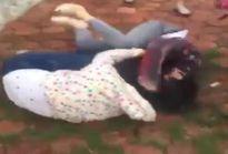 Mâu thuẫn trên facebook, hai nhóm nữ sinh đánh nhau tơi tả