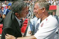 """Củng cố quyền lực ở MU, Mourinho """"thăng cấp"""" Sir Alex"""