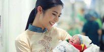 Hồng Quế đã hạ sinh công chúa 'chân dài' giống mẹ