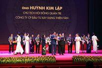 Doanh nhân Huỳnh Kim Lập - Chủ tịch Thiên Tân Group nhận Cúp Thánh Gióng