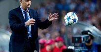 Kịch câm của Mourinho và bí mật đằng sau sự hắt hủi Schweinsteiger