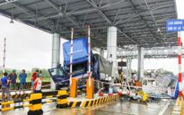 Xe tải tông Trạm thu phí: Thiệt hại hơn 1 tỷ đồng