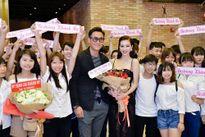 Ngôi sao Mã Đức Chung bất ngờ sang Việt Nam mừng bạn diễn ra mắt MV