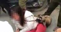 Clip: Nữ 'cẩu tặc' bị đánh hội đồng, treo chó trên cổ