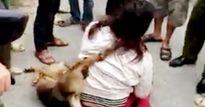 Cuộc đời éo le của nữ 'cẩu tặc' bị đánh, treo chó lên cổ