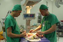 Phẫu thuật cắt bỏ phần nang phổi bẩm sinh cho trẻ sơ sinh 5 ngày tuổi