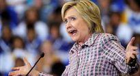 Ẩu đả ở New York vì bức tượng bà Clinton khỏa thân