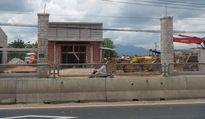 Nhiều công trình xây dựng lấn chiếm hành lang Quốc lộ 1