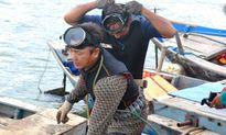 Tận mắt xem nghề lặn đánh bắt hải sâm hái ra tiền
