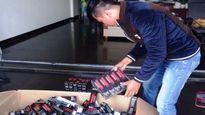 Thu hàng trăm sản phẩm mỹ phẩm tại một hội thảo 'chui'