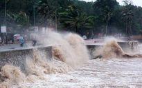 Bão số 8 đang gây sóng lớn dữ dội, gió giật cấp 16 trên biển Đông