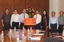Bộ Tài chính trao 1,3 tỷ đồng ủng hộ đồng bào miền Trung