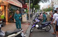 Người đàn ông bị 2 đối tượng vung dao chém gần lìa tay trên phố Sài Gòn