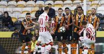 """Hull City - Stoke City: """"Messi Thụy Sỹ"""" & 2 siêu phẩm"""