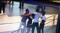 Video 'hot' nhất tuần: Khách đánh nhân viên hàng không nhập viện