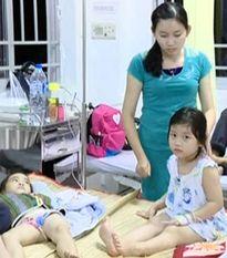 Vĩnh Long: Gần 80 trẻ mầm non ngộ độc, đi cấp cứu sau bữa trưa