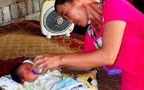 'Lỡ duyên với đàn ông', người mẹ trẻ mang con mới sinh đặt dưới gốc cây khế