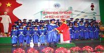 Trường ĐH Kinh tế - Kỹ thuật Bình Dương tổ chức Lễ phát bằng tốt nghiệp và ngày hội việc làm