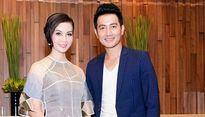 MC Thanh Mai diện áo dài cách tân trẻ trung sánh đôi với Nguyễn Phi Hùng