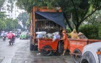 Xe rác hoạt động giờ cao điểm gây ô nhiễm, mất ATGT