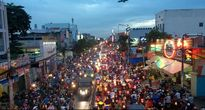 Kẹt xe Sài Gòn: 6 'dễ dãi' và 10 cách gỡ táo bạo