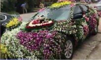 Xôn xao xe rước dâu nhiều hoa nhất Việt Nam