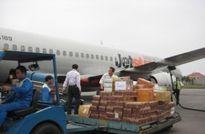 Hàng không đã vận chuyển miễn phí 35 tấn hàng cứu trợ tới miền Trung