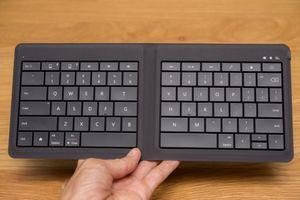 Trên tay Ms Universal Foldable Keyboard: bàn phím di động gấp được, kết nối đa nền tảng