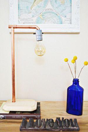 Đèn bàn tự chế: tiết kiệm không gian cho nhà hiện đại