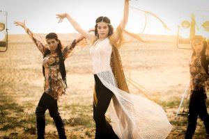 'Cô gái du mục' Hồ Ngọc Hà nhảy giữa hoang mạc 40 độ