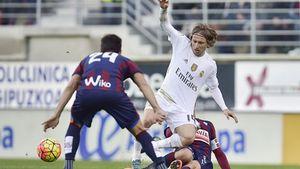 Bale và Ronaldo ghi bàn, Real vẫn thắng nhạt