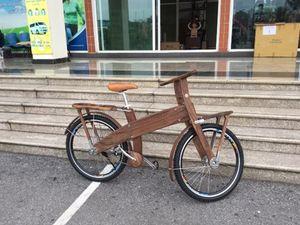 Chiêm ngưỡng xe đạp gỗ độc lạ Bonjour đang gây sốt tại Hà Nội